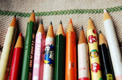 を 意味 鉛筆 なめる